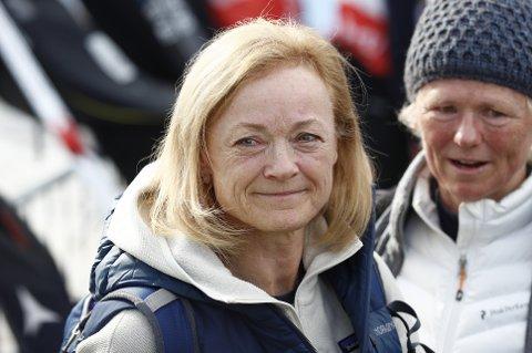 Rikke Lill Holund, mor til Hans Christer Holund, etter 50 km fellesstart fristil i ski-VM i Seefeld.