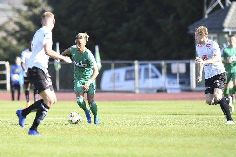 Lee Rochester Sørensen scoret 1-0-målet som avgjorde for Nest-Sotra mot Sogndal, og er oppe i fire totalt for grønntrøyene i år.