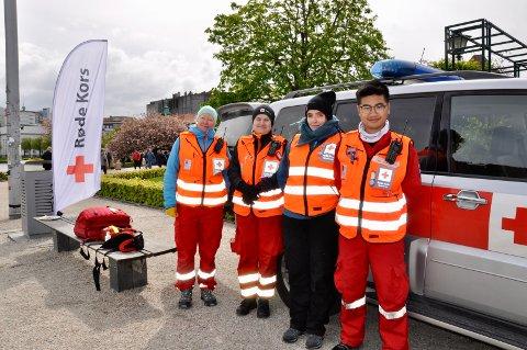 Frivillige for røde Kors, Johanne Lein (35), Pia Søfteland (27), Linn Synes (38) og Jan Tran (20).