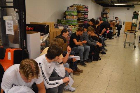 Over 60 personer møtte opp på «speed intervjuet» på lageret til Rema 1000 Knarvik tirsdag denne uken.