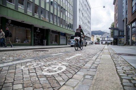 En person som sykler fem kilometer for dagen, i stedet for å kjøre bil, sparer samfunnet for godt over 20.000 kroner i løpet av et år, slås det fast i de samfunnsøkonomiske kalkylene vegvesenet bruker.