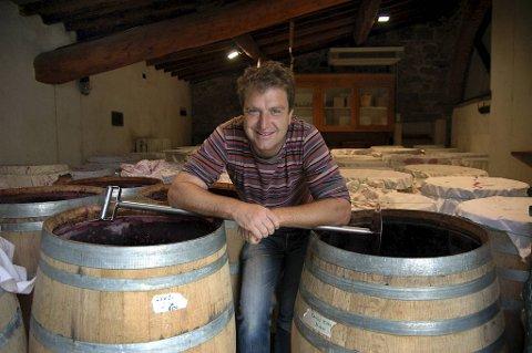 Bibi Graetz er halvt norsk, fargerik og dyktig med egen vingård i Toscana. Han har en rekke viner tilgjengelig på Vinmonopolet – og flere av dem er både rimelige og gode.