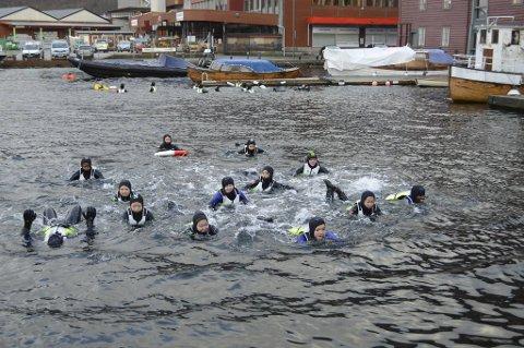 I januar var BA med da elever fra Rothaugen skole fikk teste seg i sjøen. Det ble kaldt og vått, men lærerikt.