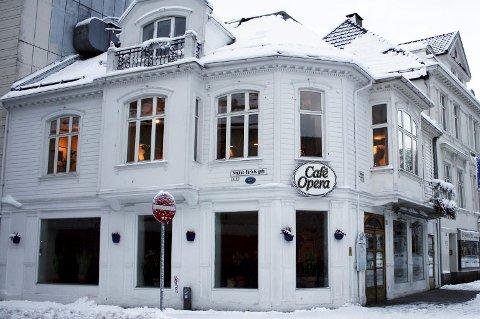IKKE TARIFFAVTALE: Café Opera ville ikke at deres ansatte skulle ha tariffavtale for to år siden. Derfor reagerte hotell- og restaurantansatte på at SV og Fagforbundet likevel ville bruke stedet til møte.ARKIVFOTO: BA