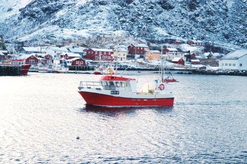 Ola Brun på landtur med en grei fangst. (Foto: Trond K. Johansen)