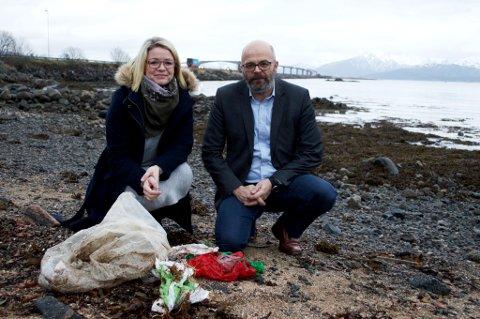 Hadsel-ordfører Siv Dagny Aasvik og Trond H. Hansen, som er markedsdirektør i Norlense, er sammen med ei klynge andre bedrifter i gang med et forprosjekt for å ta opp kampen mot plastsøppel i havet.