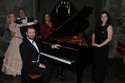 Lørdag blir det både dans, klassisk wienervals og tre retters middag for dem som har sikret seg billett til nyttårsballet i Utstein Kloster.
