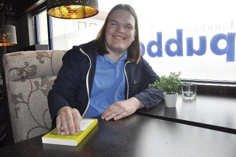 """Ikke rart festivalgeneral Simen Ingemundsen er fornøyd. Nå er de tre kandidatene til å vinne """"Sølvkniven"""" annonsert."""