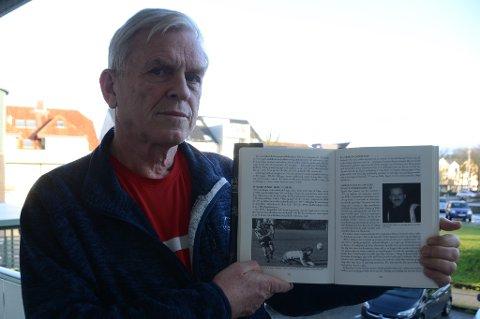 """Forfatter: Thor Geir Harestad viser gjerne fram Torgeir Tunge og Sigvald Bøe Eriksen på side 224 og 225 i boka """"Fra graslyng til millionbedrift"""" når han skal snakke om den nye boken om RIL fotball, som han skal skrive sammen med Gottfred Tunge."""