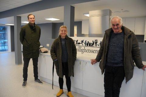 Engasjert: Svein Arild Harestad (t.v.), Renate Kolnes og Svein Livar Haga forteller ivrig om hvor bra det nye Frivillighetens hus i Randaberg sentrum kan bli. Ikke minst ivrer de for at ungdom skal bli sentral bruker av huset.