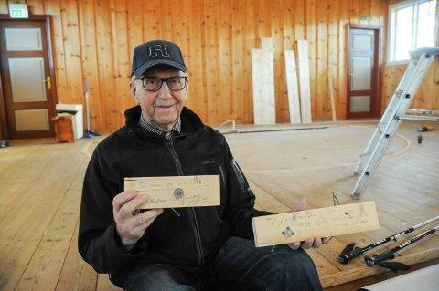 Fant: Tømmermann Sigve Randeberg (86) med 42 år gammel moro i Randaberg kirke.