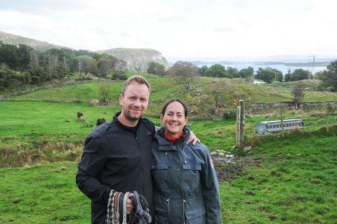 Oppfyller drømmen: Tom Vestrheim og Lisa Kristin Johannessen har kjøpt en gårdseiendom på Helland, der de skal etablere noe de begge brenner veldig for.