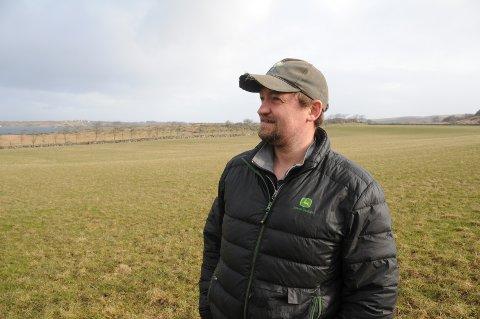 Utfordring: Over flere år har grågjess på markene blitt en økende problem for aktive bønder, og så for Anders Schanche Rettedal på Klostergarden på Utstein.