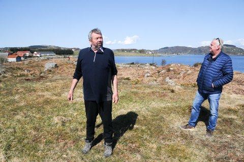 Aktivitet: Her på Kadlaneset (Mosterøy) håper Tor Bernhard Harestad (t.v.) og Leif Arne Moi Nilsen (FrP) å få Stavanger kommune med på å legge til rette for en spesiell aktivitet.