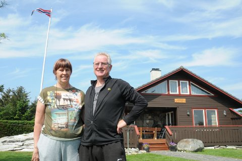 Hytteliv på Randaberg: Kitt Elise Skogland og Harald Halvorsen trives godt i Vistnesvågen, på familiens base.