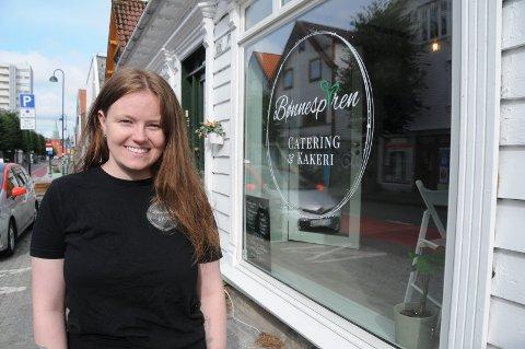 Midt i byen: Stine Ditløvsen startet bedriften sin på kjøkkenet hos sin far på Sokn, nå er Bønnespiren på plass i Pedersgata.