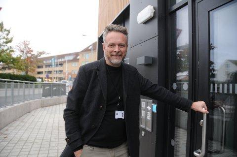 Klinikk på flyttefot: Randaberg Poliklinikk flytter inn i nye lokaler i Randaberg sentrum i disse dager. Avdelingssjef Øystein Enger i Sola DPS, som denne poliklinikken ligger under, er ikke blant søkerne.