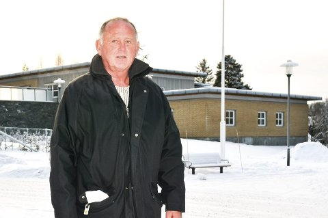 BER OM VURDERING: Vidar Løvf, gruppeleder Modum FrP, ber Fylkesmannen vurdere om vedtaket om å flytte samtlige 16 beboere med demens fra Furulund bofellesskap til Modumheimen sykehjem er lovlig.