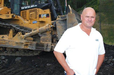 HEDER: Albert Kr. Hæhre mottok i går fjellspregningsbransjens «Gullfeiselen»