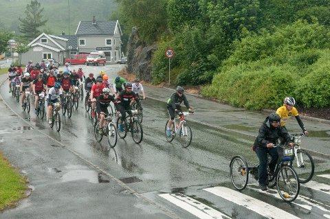 Tour-deltakarane blei rimeleg blaute på avslutningsetappen sundag.