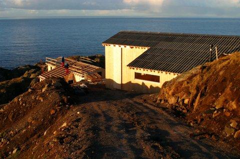MER AV DETTE? Den nye kommuneplanen åpner for flere hytter i Svanes (som på bildet) og i Mong.