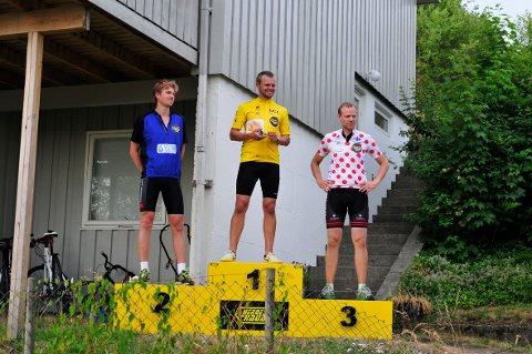 PÅ PALLEN: Første mann i første etappe var Jon Terje Omdal. Pål Thomas Ramstad og Kjell Sigve Grønning kom på forholdsvis andre- og tredjeplass.