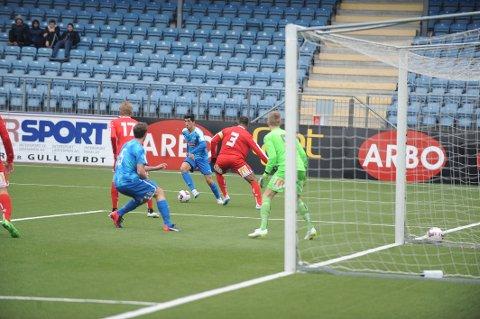 TUNGT: Drammen står med tre poeng etter fire serierunder. Nå venter en rekke med fem tøffe motstandere på rad.