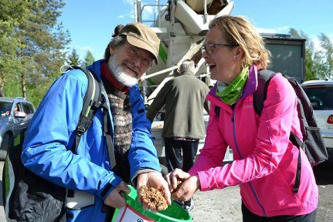 SNEGLESJEFER: Brede Holst og Cathrine Stustad ledet aksjonen på Konner sommeren 2015.