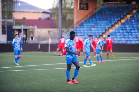 TUNGT: Samuel Narh og Drammen FK fortsetter å tape. Her fra en kamp tidligere i sesongen. (FOTO: EIVIND BRENNHOVD HOLTH)
