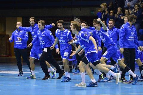 VANT IGJEN: DHK-spillerne kunne lørdag ettermiddag  juble for lagets tredje seier på de fire siste kampene.