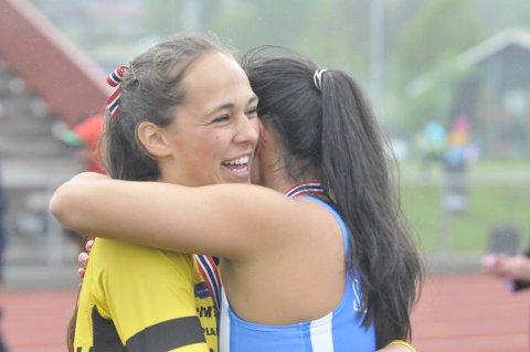 Sølv og bronse: Solveig Hernandez Vråle fra Sturla (t.v.) kjempet mot Alexandra Haver fra Sørild FIK. De ble nummer to og tre til slutt.