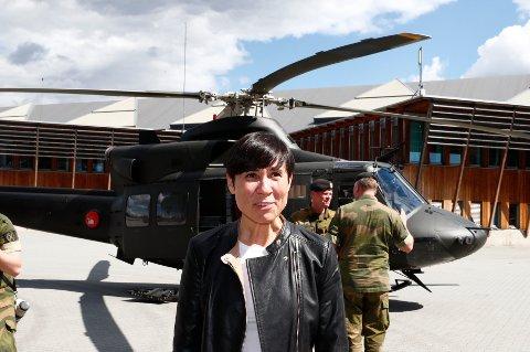 UTMERKET: «Det er Ine Marie Eriksen Søreide som har forsvarsministerjobben nå. Hun fyller den på en utmerket måte så vidt jeg kan bedømme», skriver Finn Sjuve fra Drammen.