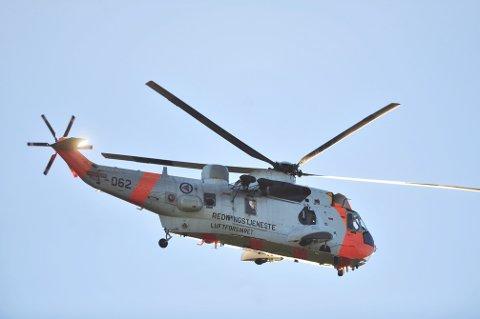 Føreren som ble sittende fastklemt etter ulykken ble tatt med til Oslo universitetssykehus av Sea King.
