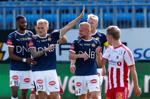 To mål: Eirik Ulland Andersen jublet etter scoring under eliteseriekampen i fotball mellom Strømsgodset og Trømsø på Marienlyst stadion i Drammen lørdag. Han stoppet på to mål.