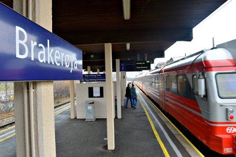Holder til 2040: Jernbanedirektoratet mener at Brakerøya stasjon holder til minst 2040.