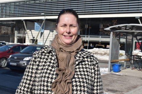 FRA ASKER TIL ÅSKOLLEN:  Sissel Jensen flyttet fra Asker til Åskollen for ett år siden, mye fordi hun og familien trengte et større hus.
