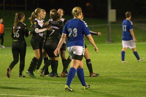 VIL SATSE SELV: Solbergs kvinnelag vil rykke opp til 2. divisjon, men treneren ønsker det nye laget til Godset velkommen. Dette bildet er tatt Solberg rykket opp til 3. divisjon i 2018.