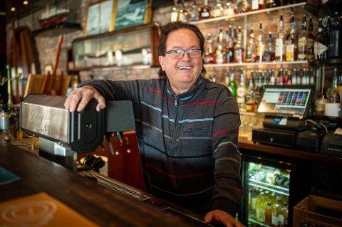 SKJØNT: - Det har vært en skjønn tid, sier Hernandez om tida si i Drammens utelivsbransje: Hawk Club, Kafé Unique, Dickens og Skutebrygga. I går ble det kjent at han har solgt Skutebrygga.