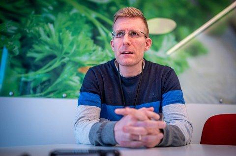 GODT FORBEREDT: John David Johannessen forteller at kommunen er godt forberedt for å starte vaksineringen.