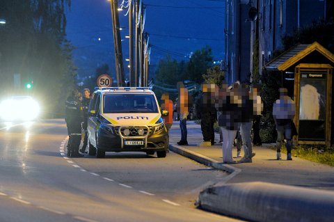Politiet bortviste ungdom fra Engersand sent søndag kveld.