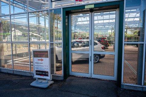 ETTERFORSKES: Bilhuset Øst AS holder til på Åssiden i Drammen.