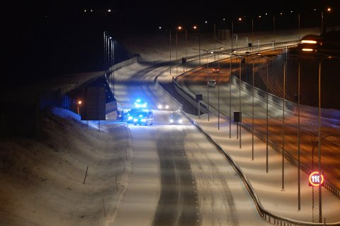 En bil har vært involvert i en ulykke nordgående retning på E18 ved Bergsengakrysset i Sande.