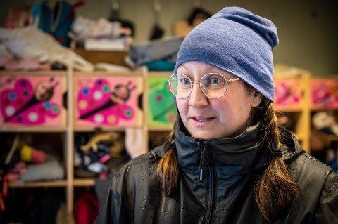 KRITISK: Barnehagelærer Kari Coventry er svært skeptisk til hvordan Drammen kommune kartlegger barn i barnehagen. Selv har hun gitt klar beskjed om at hun ikke vil bruke metoden.
