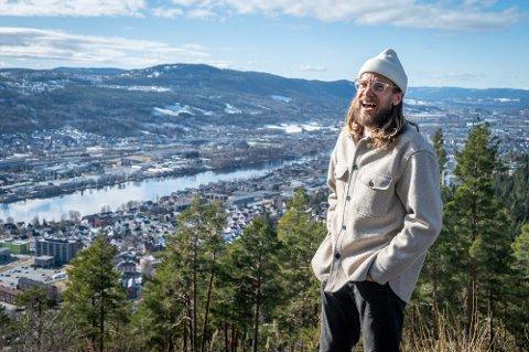 Joakim Throndsen satser stort og kan konstatere at publikum vil være med på ideen.
