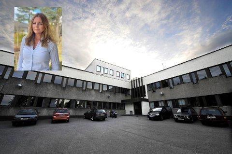 FAU-leder ved Galterud skole, Gro Kleven (innfelt), mener det er feil at skolen må være på rødt nivå lenger enn andre.