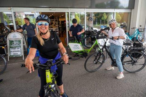 ELSYKKEL: Monica Myrvold Berg møtte syklistforeningen i et syklende møte.