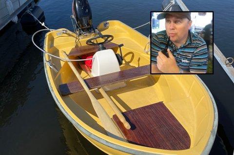 DUSØR: Pål Bentsrud (innfelt) sin båt ble stjålet torsdag 15, juli, fra Vammen brygge ved Bjerkøya. Nå håper han at noen kan ha sett noe til den, og utlover dusør. Den ti fot lange båten er av merket With 200 fra 1972.