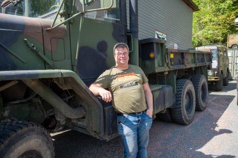 HEMMELIG HANDEL: Innehaver Olve Teigen fikk besøk av en fyr fra Bergen. Han skulle kjøpe en militær lastebil - uten at kona visste det.