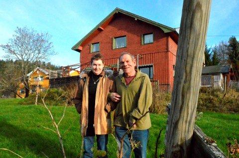 NEDRE SOLBAKKEN: Huset står den dag i dag innerst i Ekebergdalen. Dagens eiere, Edel og Robert Fostaas, trives godt med all plassen her.