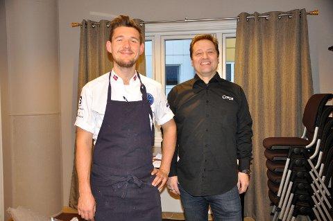 Godt mottatt: Leopold Prytz Roze har reist helt fra Oslo for å lage mat. I Honningsvåg ble han godt mottatt av Odd Arne Nilsen. - Dette var hyggelig sier de begge to.